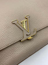 Load image into Gallery viewer, Louis Vuitton Volta Leather handbag with strap