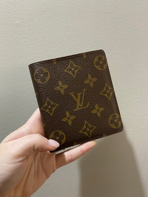 Louis Vuitton Bifold monogram wallet - 1