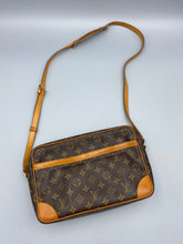 Load image into Gallery viewer, Louis Vuitton Trocadero 27 monogram crossbody
