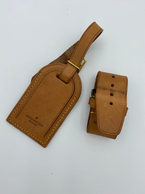Louis Vuitton luggage tag and poignet set