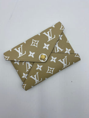 Louis Vuitton Medium Kirigami Giant pochette