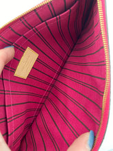 Load image into Gallery viewer, Louis Vuitton Neverfull pouch w/ pink interior - 3