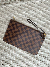 Load image into Gallery viewer, Louis Vuitton Neverfull ebene pouch