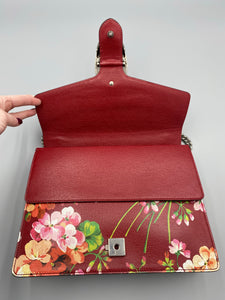 BRAND NEW Gucci Medium Dionysus Blooms Shoulder bag