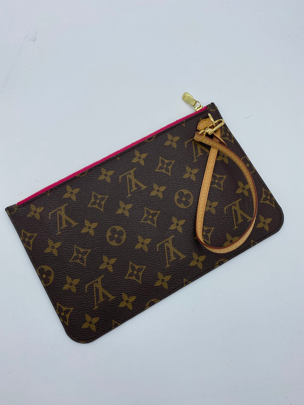 Louis Vuitton Neverfull pouch w/ pink interior - 3