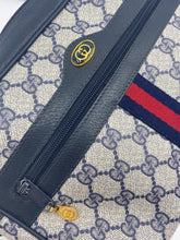 Load image into Gallery viewer, Gucci Vintage Web GG camera bag