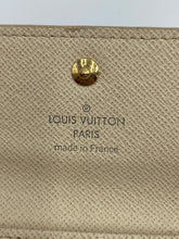 Load image into Gallery viewer, Louis Vuitton 4 ring azur keyholder