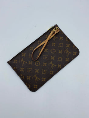 Louis Vuitton Neverfull pouch w/ magenta interior