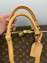 Load image into Gallery viewer, Louis Vuitton Keepall 60 Bandouliere monogram bag with strap