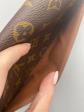 Load image into Gallery viewer, Louis Vuitton NM Sarah wallet monogram