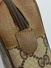 Load image into Gallery viewer, Gucci Vintage GG web clutch/pouch