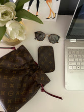 Load image into Gallery viewer, Louis Vuitton Noe monogram pouch