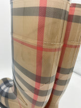 Load image into Gallery viewer, Burberry House Check Rain Boots