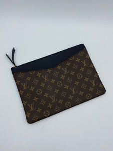 Louis Vuitton Daily monogram pouch