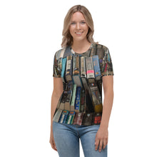 Load image into Gallery viewer, Women's T-shirt Book Lover