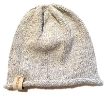 Load image into Gallery viewer, besser. mini beanie ozone