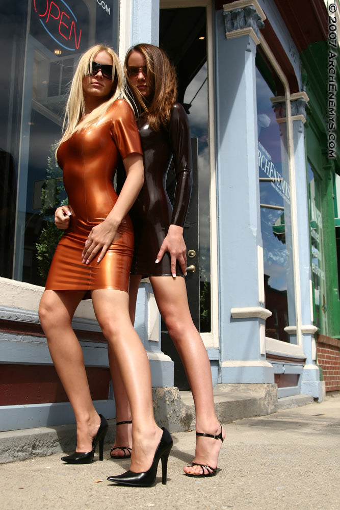 Models Carrie LaChance and Brittany Prescott