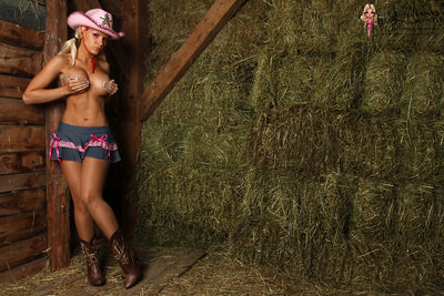 On The Farm - Trailer Video - Carrie LaChance