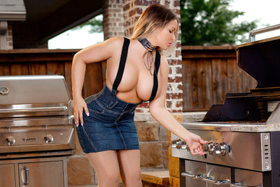 Grill Gal - Trailer Video - Carrie LaChance