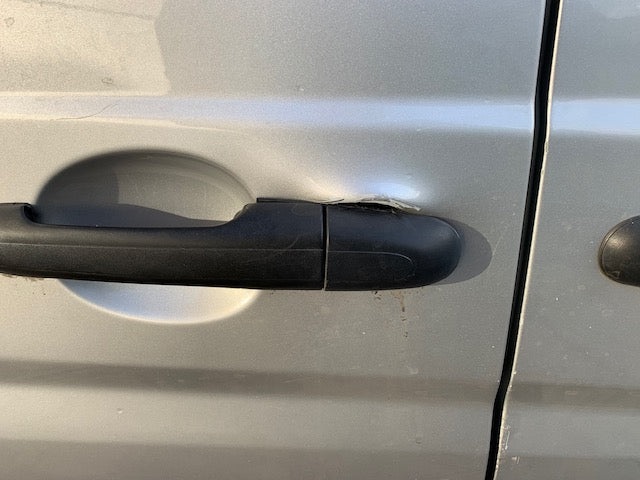 Attacked Vito sliding door handle