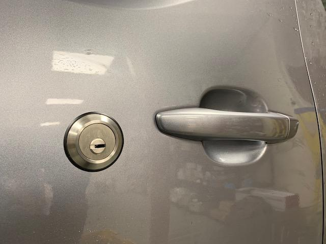 NEW Berlingo sliding door slamlock