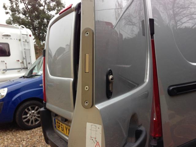 Citroen dispatch rear door deadlock