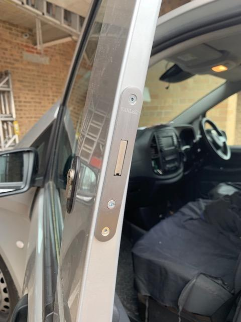 New Mercedes Vito cab door deadlock