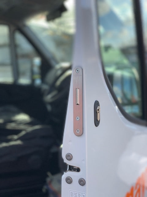 NEW Iveco daily cab door deadlock