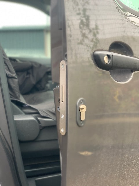 New Toyota Proace drivers door deadlock