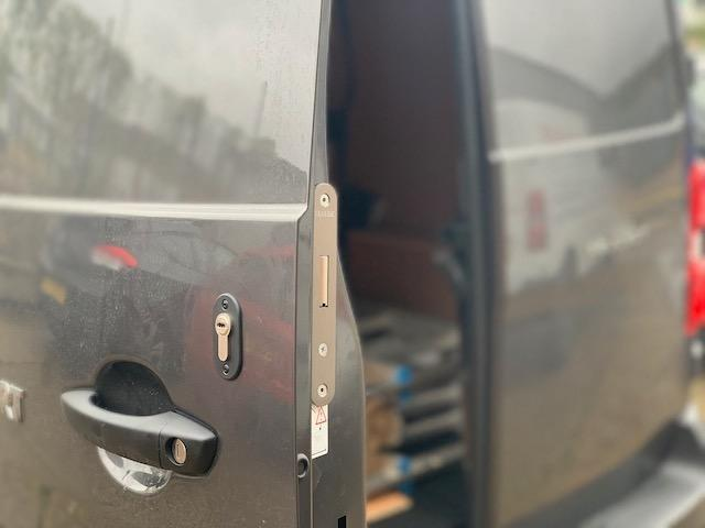 New Toyota Proace rear door deadlock