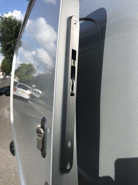 New Toyota Proace sliding door hooklock
