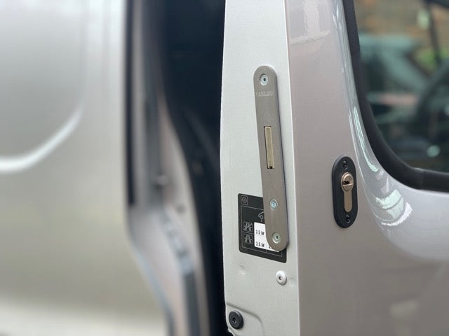 Nissan NV300 drivers door deadlock