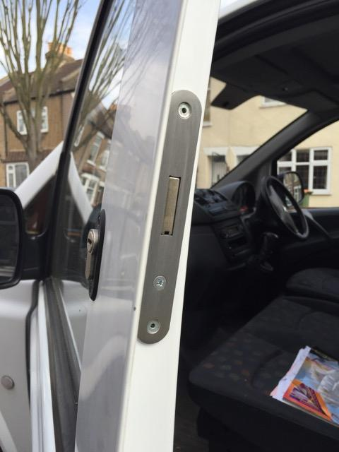 Mercedes Vito 2004 cab door deadlock