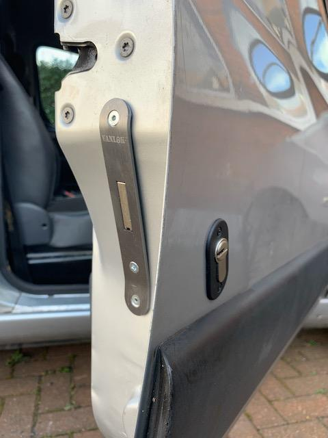 Peugeot Partner Origin cab door deadlock