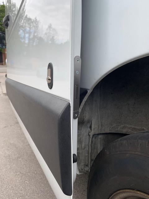 Renault Master glazed sliding door deadlock