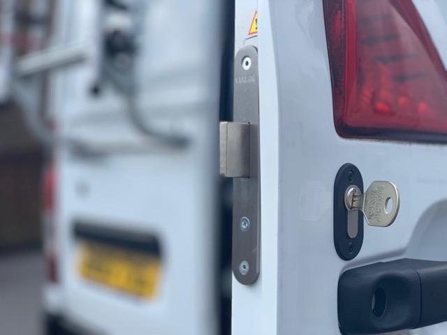 Renault Master rear door deadlock