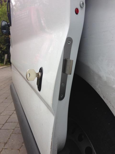 Renault Trafic glazed sliding door deadlock