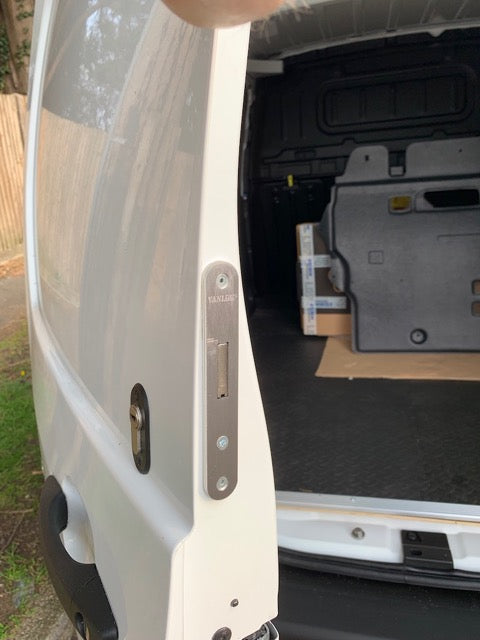 Toyota Proace City rear door deadlock