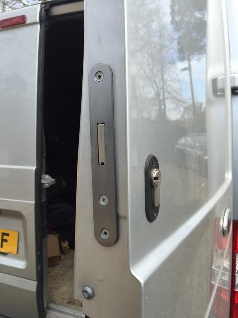 Transit Mk6 and Mk7 rear door deadlock