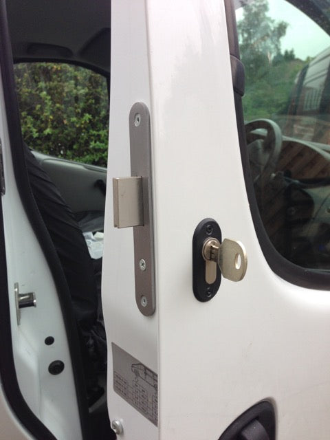 Vauxhall Vivaro drivers door deadlock