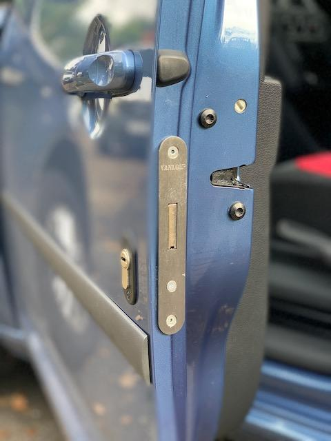 VW Caddy passenger door deadlock