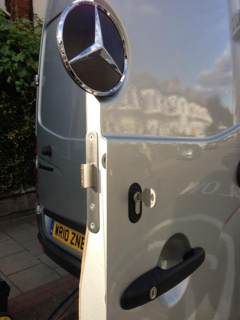 VW Crafter rear door deadlock