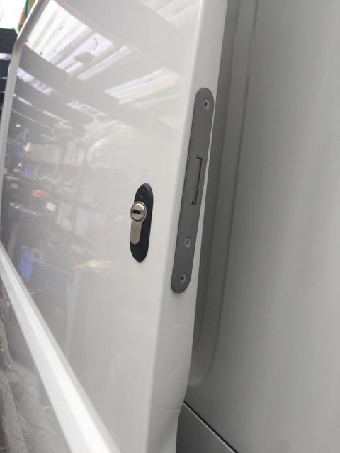VW Transporter T6 sliding door deadlock