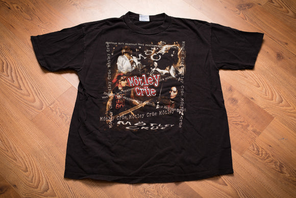 vintage 90s black t-shirt motley crue maximum rock text and band photos