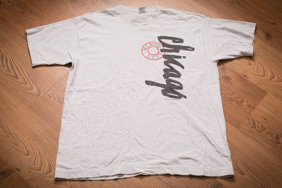 90s Chicago Windy City T-Shirt, L/XL, Vintage Tee, Script Spell Out, Museum