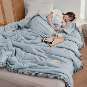 Lula® Sky Blue Air Conditioning Cool Breathable Soft Lightweight Summer Quilt