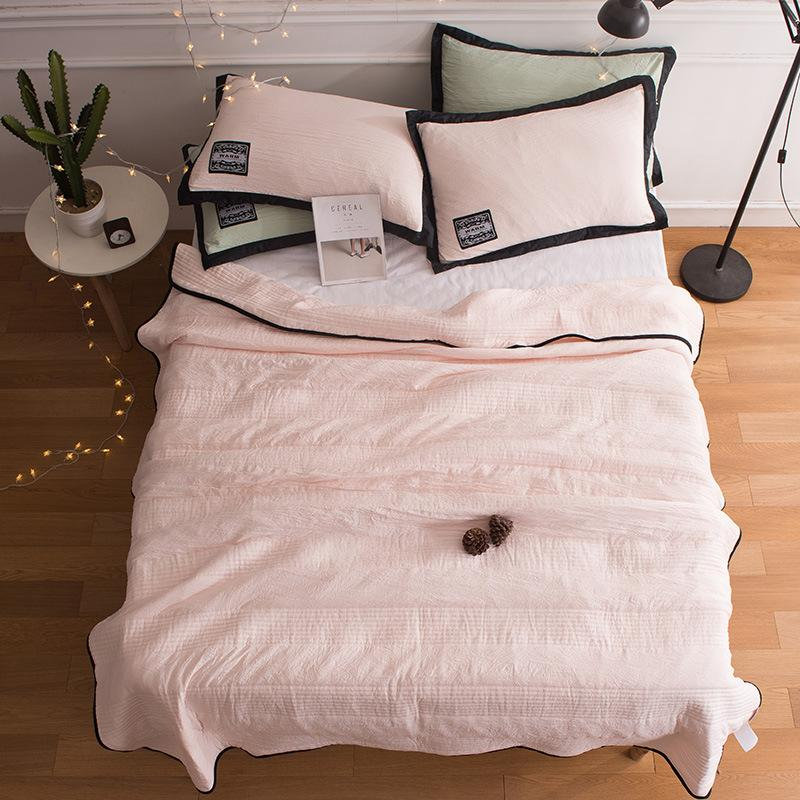 🔥Free Shipping🔥Comfortable -Healthy Sleep- ❄️Cool Ice Silk Summer Blanket Queen King Size-Perfect For Summer(Summer Time Limit-50% OFF)