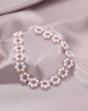 Load image into Gallery viewer, Pearl Flower Choker