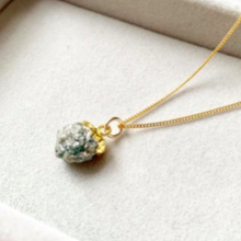 Load image into Gallery viewer, Decadorn Gold Birthstone Pendant - May Emerald