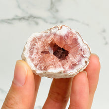 Load image into Gallery viewer, Pink Amethyst Cluster (4cm)